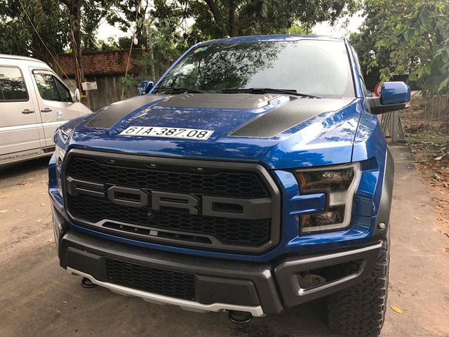 Ford F-150 Raptor 2017 Đầu Tiên Tại Việt Nam Ra Biển Số Trắng
