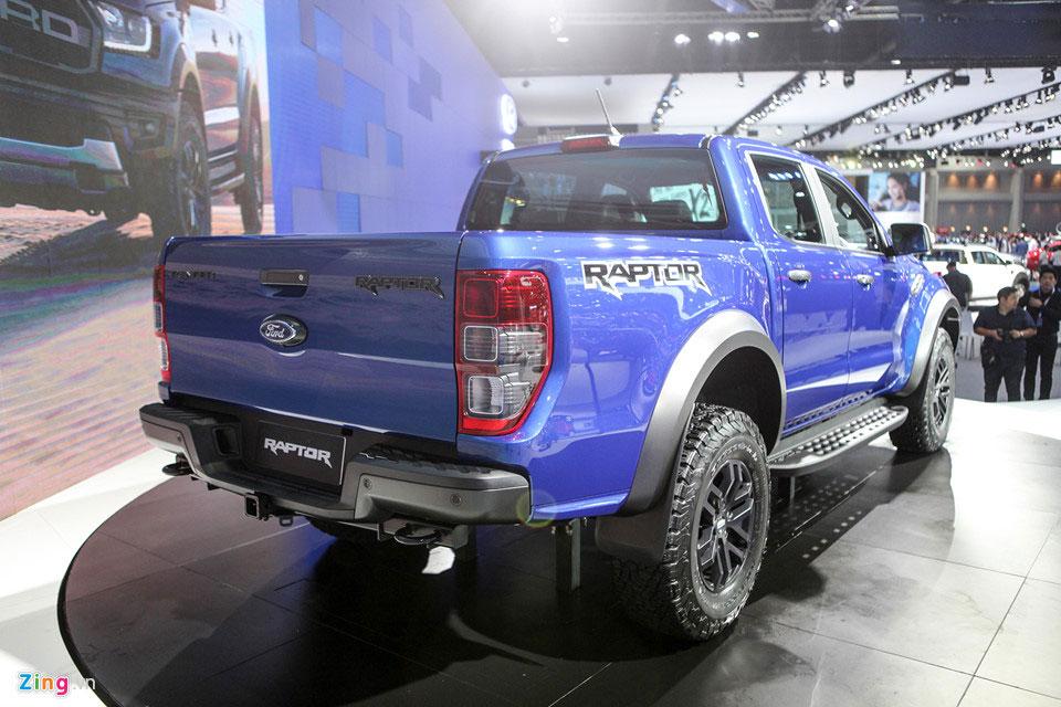 Có nên mua xe bán tải Ford Ranger Raptor? Ưu nhược điểm