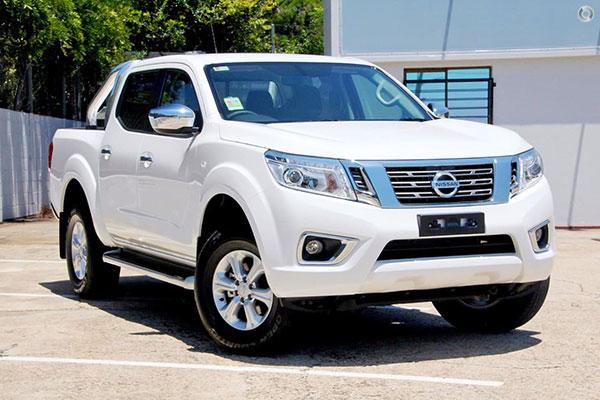 So sánh Toyota Hilux với Nissan Navara 2018  phiên bản cao cấp