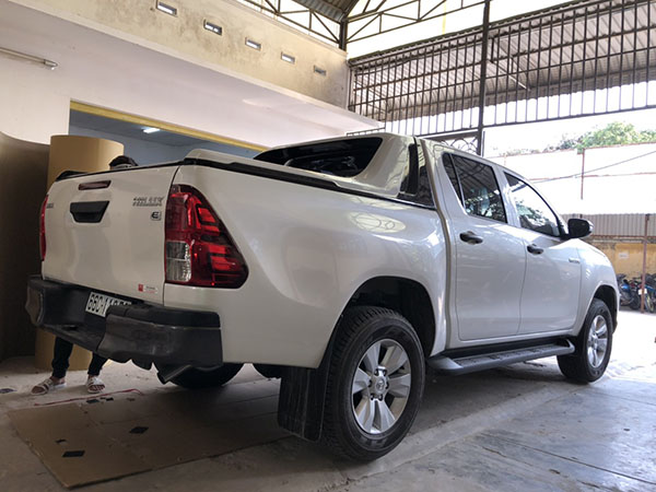 Thanh thể thao Hilux TSWO - 1