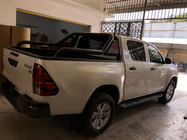 Thanh thể thao xe Hilux TEWO-1